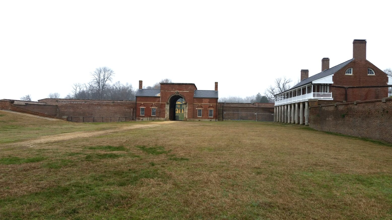 4-inside-of-the-fort